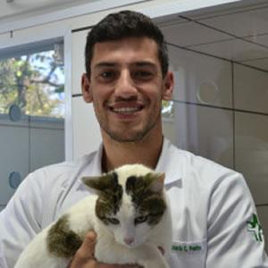 Dr. Carlos Eduardo Cichinato Pontes